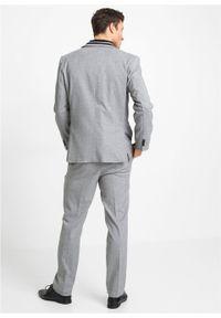 Garnitur 3-częściowy: marynarka + spodnie + kamizelka bonprix jasnoszary melanż. Okazja: na ślub cywilny, na wesele. Kolor: szary. Wzór: melanż. Styl: elegancki