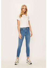 Wrangler - Jeansy. Kolor: niebieski. Materiał: jeans. Wzór: aplikacja #4