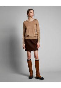FAY - Beżowy sweter z wełny. Kolor: beżowy. Materiał: wełna. Długość rękawa: długi rękaw. Długość: długie. Wzór: aplikacja. Styl: klasyczny