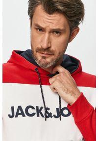 Jack & Jones - Bluza. Okazja: na co dzień. Typ kołnierza: kaptur. Kolor: czerwony. Materiał: dzianina. Styl: casual