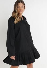 Born2be - Czarna Sukienka Ancemus. Okazja: na co dzień. Kolor: czarny. Materiał: tkanina. Typ sukienki: koszulowe, plisowane, szmizjerki. Styl: klasyczny, casual. Długość: mini