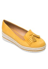 Żółte mokasyny DANIC w kolorowe wzory, eleganckie, bez zapięcia