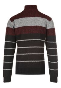 Czerwony sweter Born2be z golfem