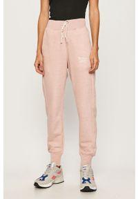 Różowe spodnie dresowe Reebok