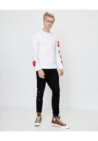 COMME DES GARCONS PLAY - Biała koszulka z czerwonymi sercami. Okazja: na co dzień. Kolor: biały. Materiał: jeans, bawełna. Długość rękawa: długi rękaw. Długość: długie. Styl: elegancki, casual