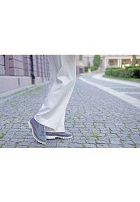 Czarne półbuty Zapato z okrągłym noskiem, na sznurówki, klasyczne, w kolorowe wzory