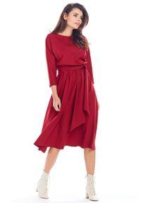 Awama - Rozkloszowana Sukienka z Paskiem - Bordowa. Kolor: czerwony. Materiał: poliester, elastan