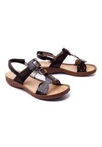 Brązowe sandały Rieker na rzepy, na koturnie
