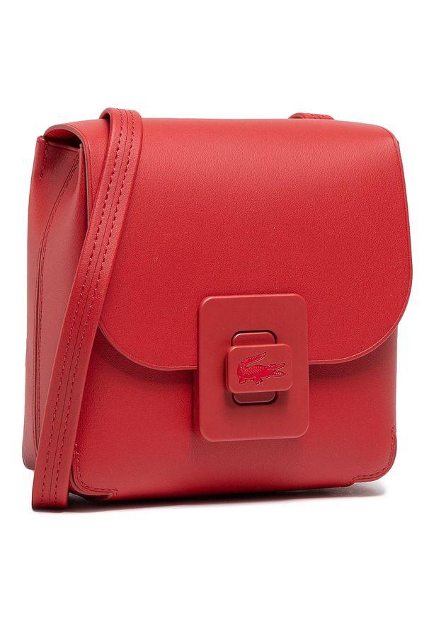 Lacoste - Torebka LACOSTE - S Crossover Bag NF3554LJ Cinabre 124. Kolor: czerwony. Wzór: aplikacja. Materiał: skórzane