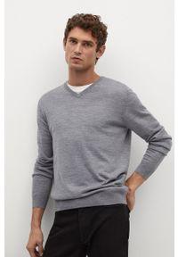 Mango Man - Sweter wełniany WILLYV. Okazja: na co dzień. Kolor: szary. Materiał: wełna. Długość rękawa: długi rękaw. Długość: długie. Styl: casual