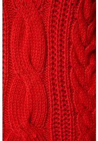 Czerwony sweter medicine #5