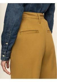 Levi's® Jeansy Boyfriend Broek Met 85791-0000 Brązowy Boyfriend Fit. Kolor: brązowy. Materiał: jeans
