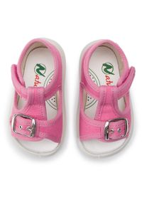 Różowe sandały Naturino na lato