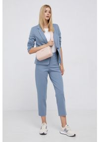 Calvin Klein - Torebka. Kolor: różowy. Rodzaj torebki: na ramię
