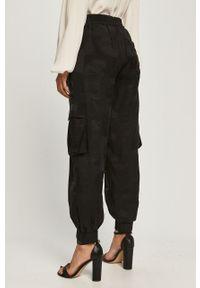 Czarne spodnie materiałowe Desigual z podwyższonym stanem