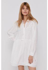 Pepe Jeans - Sukienka Ava. Kolor: biały. Materiał: koronka, tkanina. Długość rękawa: długi rękaw. Wzór: gładki. Typ sukienki: rozkloszowane