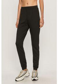 Czarne spodnie dresowe Pieces
