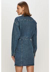 TALLY WEIJL - Tally Weijl - Sukienka jeansowa. Okazja: na co dzień. Kolor: niebieski. Materiał: jeans. Długość rękawa: długi rękaw. Typ sukienki: proste. Styl: casual