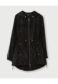 Liu Jo - LIU JO - Płaszcz przeciwdeszczowy z kapturem. Typ kołnierza: kaptur. Kolor: czarny. Materiał: materiał, nylon
