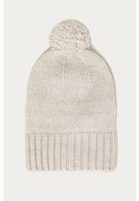 Szara czapka Stefanel klasyczna