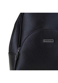 Wittchen - Damski plecak z półokrągłą kieszenią. Kolor: srebrny, wielokolorowy, czarny. Materiał: skóra ekologiczna. Styl: klasyczny, elegancki, casual