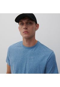 Reserved - T-shirt basic - Niebieski. Kolor: niebieski