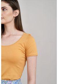 Marie Zélie - Bluzka Urania miodowa. Kolor: pomarańczowy. Materiał: dzianina, elastan, skóra, materiał, bawełna. Długość rękawa: krótki rękaw. Długość: krótkie