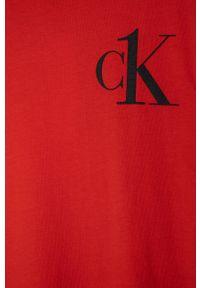 Czerwony t-shirt Calvin Klein z nadrukiem, na co dzień, casualowy