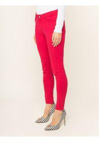 Różowe spodnie Guess