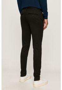 Only & Sons - Spodnie. Kolor: czarny. Materiał: dzianina. Wzór: gładki