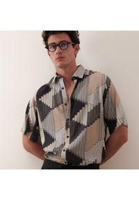 Reserved - Wzorzysta koszula boxy - Szary. Kolor: szary