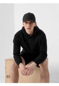 Czarna bluza nierozpinana 4f z nadrukiem, z kapturem