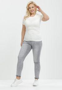 Born2be - Biały T-shirt Euphosi. Kolor: biały