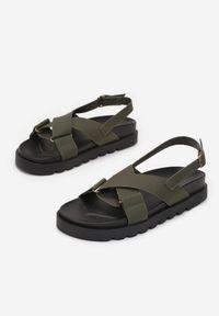 Renee - Khaki Sandały Athilymes. Nosek buta: otwarty. Zapięcie: pasek. Kolor: brązowy. Materiał: guma. Wzór: jednolity, paski. Obcas: na platformie. Styl: sportowy