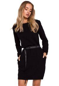 MOE - Luźna bawełniana sukienka mini z długim rękawem czarna. Okazja: na co dzień. Kolor: czarny. Materiał: bawełna. Długość rękawa: długi rękaw. Typ sukienki: oversize. Styl: casual. Długość: mini