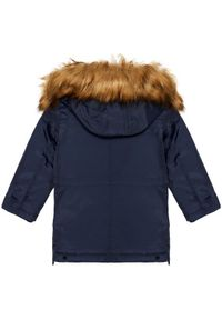 Guess Kurtka zimowa N0BL09 WDH90 Granatowy Regular Fit. Kolor: niebieski. Sezon: zima