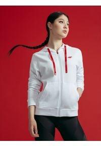 4f - Bluza damska z kolekcji kibica FROM PAST TO FUTURE. Kolor: biały. Materiał: dzianina. Wzór: nadruk