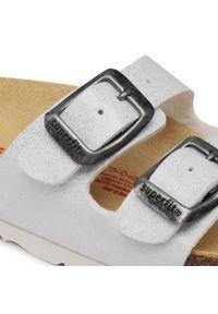Superdry - Klapki SUPERDRY - 8-00111-50 M Weiss. Kolor: biały. Materiał: skóra ekologiczna, materiał #7