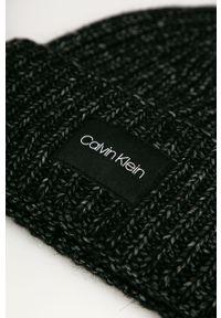 Czarna czapka Calvin Klein z nadrukiem