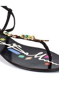 Baldinini - BALDININI - Sandały zamszowe z kryształami. Kolor: czarny. Materiał: zamsz. Wzór: kolorowy, aplikacja. Sezon: lato. Styl: elegancki