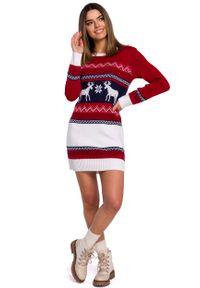 MOE - Swetrowa Sukienka z Reniferami. Materiał: akryl