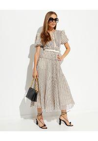SELF PORTRAIT - Plisowana sukienka midi w kratę. Kolor: beżowy. Materiał: tkanina. Typ sukienki: plisowane, dopasowane. Długość: midi