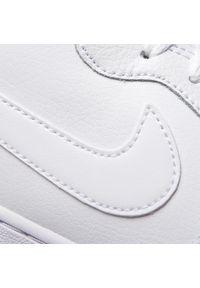 Białe półbuty Nike na co dzień, casualowe, z cholewką