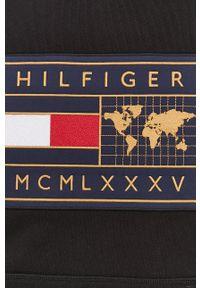 TOMMY HILFIGER - Tommy Hilfiger - Bluza. Okazja: na co dzień. Kolor: czarny. Wzór: aplikacja. Styl: casual