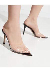 GIANVITO ROSSI - Czarne klapki Elle. Kolor: czarny. Materiał: lakier. Styl: wizytowy, klasyczny