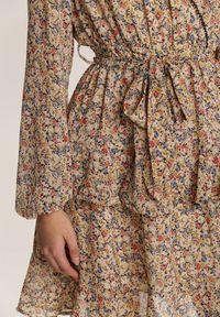 Renee - Jasnobeżowa Sukienka Aroalophi. Kolor: beżowy