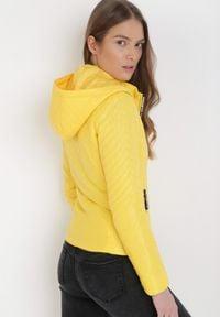 Born2be - Żółta Kurtka Sylpheilla. Kolor: żółty