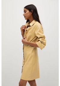 mango - Mango - Sukienka NASTIA. Okazja: na co dzień. Kolor: żółty. Materiał: skóra. Długość rękawa: długi rękaw. Typ sukienki: proste. Styl: casual