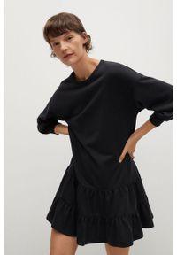 mango - Mango - Sukienka Rodri. Kolor: czarny. Materiał: dzianina. Wzór: gładki. Typ sukienki: rozkloszowane
