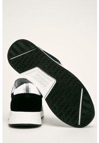 Czarne buty sportowe Tommy Jeans z cholewką, z okrągłym noskiem